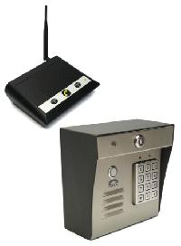 Simultaneous Talk and Receive System with Keypad